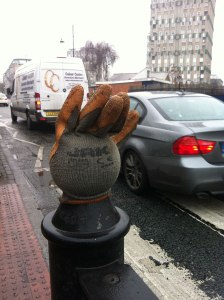 waving-glove