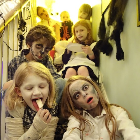 halloween: kids on the stairs