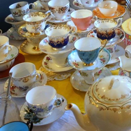 vintage teacups & pot